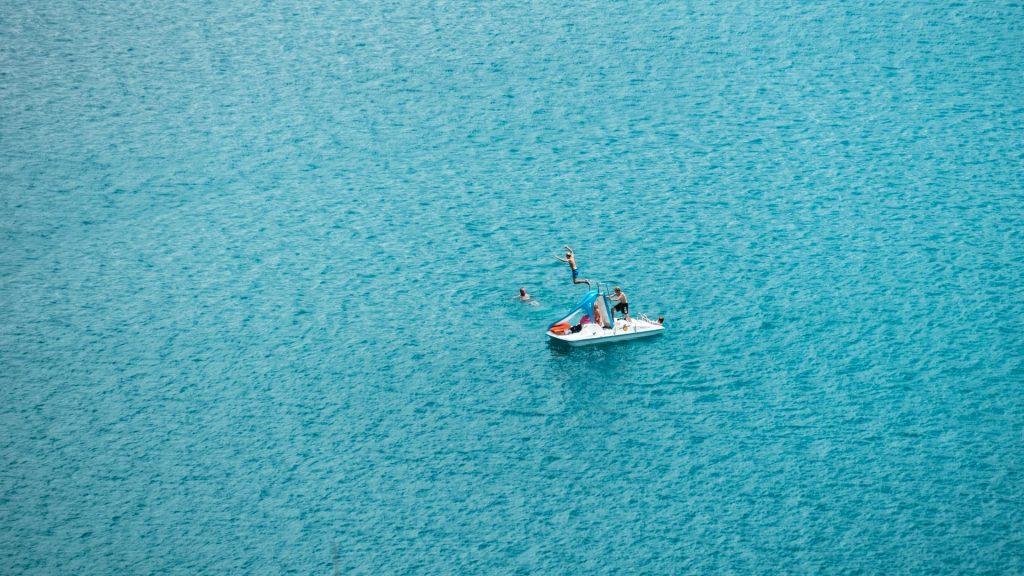 Kids activities on the sea