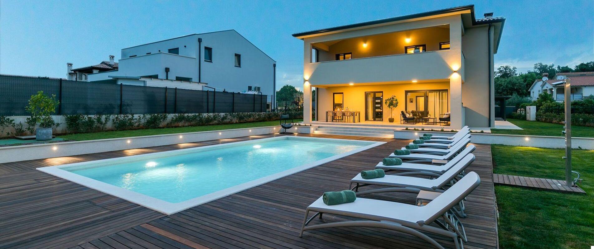 Villa Amoroso z basenem